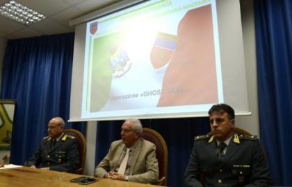 La Guardia di Finanza arresta 3 professionisti foggiani tra gli 11 arrestati a Macerata per una maxi frode fiscale