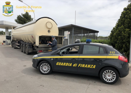 """Taranto. Operazione """"Oro blu"""" della Guardia di Finanza. 7 arrestati e sequestri per 53 milioni di euro (con aggiornamento)"""