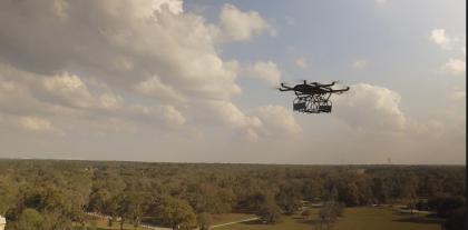 Un drone per portare droga e telefoni ai detenuti del carcere di Taranto