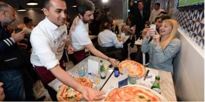 """Luigi Di Maio ha fatto il pizzaiolo """"in nero"""" per un anno a Pomigliano d'Arco"""