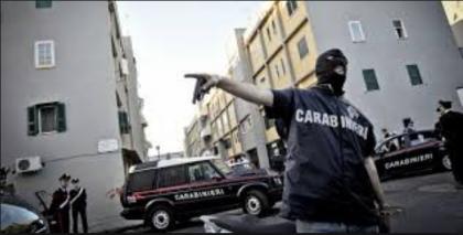 """Operazione """"Sangue Blu"""". I Carabinieri arrestano a Taranto 8 persone per associazione a delinquere e traffico di droga."""