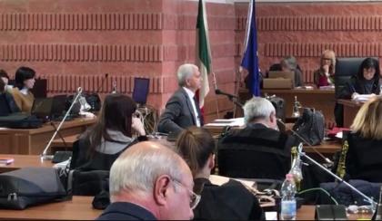 """Vendola ai giudici di Taranto: """"Ilva unica colpevole dell'inquinamento"""""""