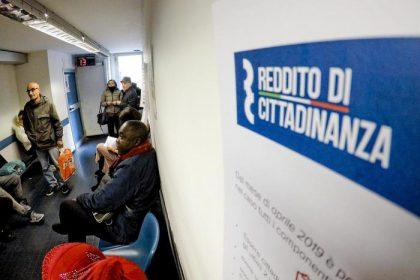 Reddito di cittadinanza, terzo giorno : 114mila domande. Parità Campania-Lombardia