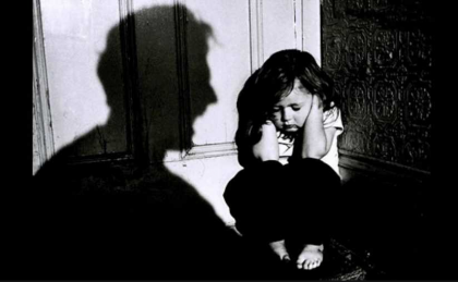 Abusi su figli,presa a madre e 2 uomini