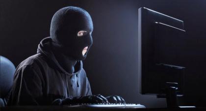 Hacker e creduloni informatici, tra difese all'avanguardia ed errori umani