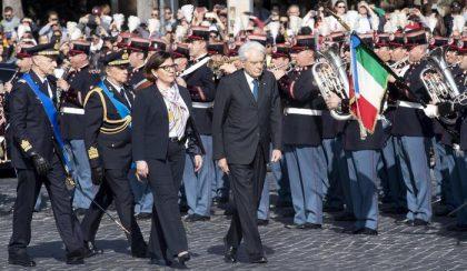 25 aprile, le celebrazioni. Mattarella all'Altare della Patria, Conte alle Fosse Ardeatine