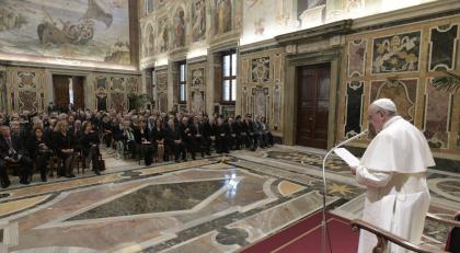 La lezione di Papa Francesco alla politica ed ai giornalisti