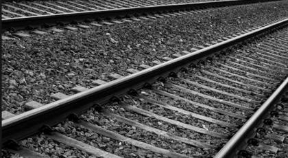 Operaio muore folgorato mentre lavora sulla linea ferroviaria di Brindisi