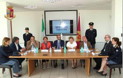 """Sottoscritta l'intesa interistituzionale del """"Protocollo per la Legalità"""" presso la Questura di Taranto"""
