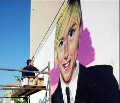 Il murales Nadia Toffa sui muri di Taranto per renderle omaggio