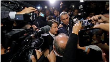 """Ressa all'arrivo del premier Conte a Taranto. """"Cosa volete, la chiusura ?"""""""