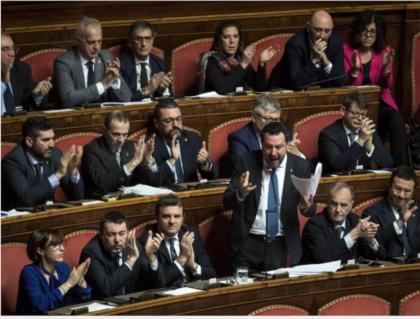 Il Senato a maggioranza Pd-M5S-LeU manda a processo Matteo Salvini