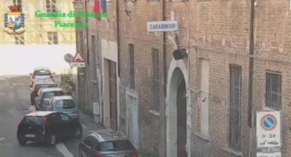 Caserma di Piacenza, la catena di comando