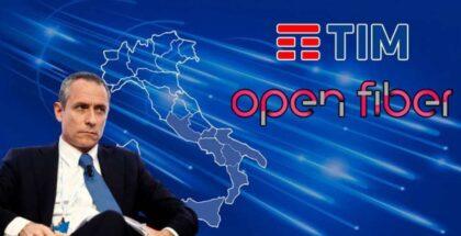 Poste Italiane si lancia nella fibra con Tim ed Open Fiber, e nel mobile stringe un nuovo accordo con Vodafone